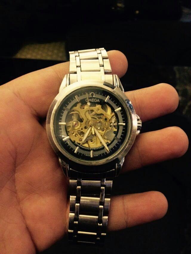 欧米茄镂空手表_这款是欧米茄的哪款手表?价格是多少?_百度知道