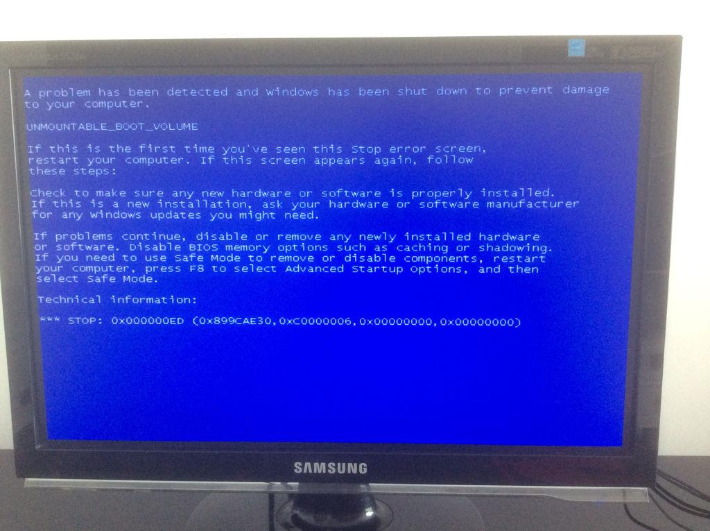 stop0x000000ed_电脑开机蓝屏,stop:0x000000ed 安全模式进不去.