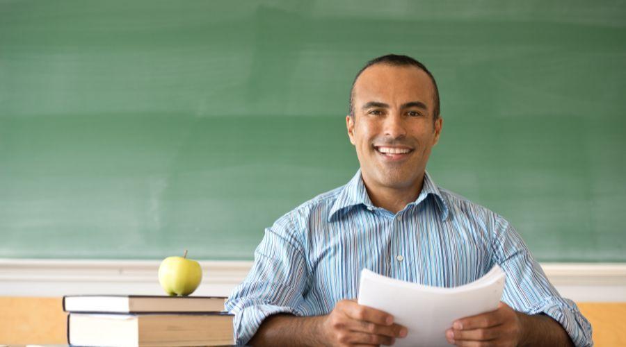 学校如何评估教师