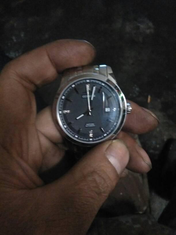 全自动手表调时间拉出表头调楚时,秒针,时针,分