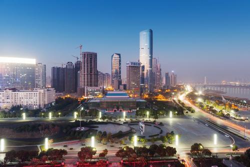江西省南昌市红谷滩新区属于江西...