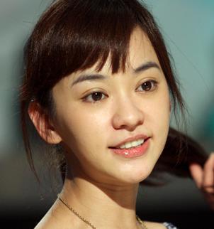 韩国明星双眼皮_哪个女明星大大眼睛,笑起来还有一对小酒窝?_百度知道