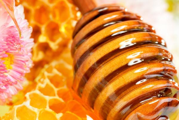 多喝蜂蜜好处多,但哪些错误的喝法会适得其反?