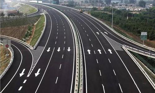什么是加速车道_驾照考试里的匝道是什么意思?_百度知道