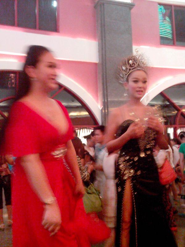 红艺人cici图片_海南兴隆红艺人叫COCO的 据说泰国机场 都有她的大幅海报 她的 ...