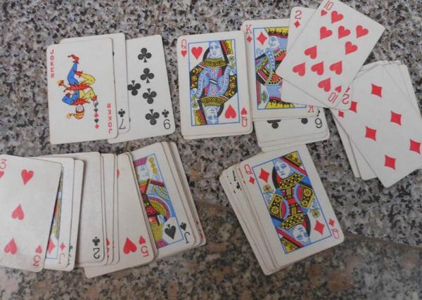 扑克牌有几种玩法_扑克牌有什么组成_百度知道