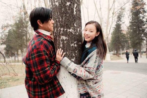 北斗七星注册:为什么说秋冬不知道怎么穿跟着倪妮学就对了?