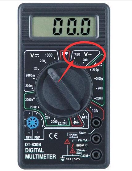 万用表测220v_万用表怎么测量三相电380V的电压,求哪位大师指教具体的方法 ...