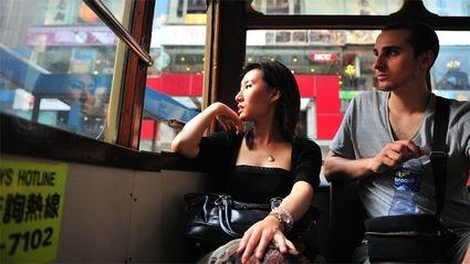 为什么越来越多中国单身人士选择跨国婚姻?