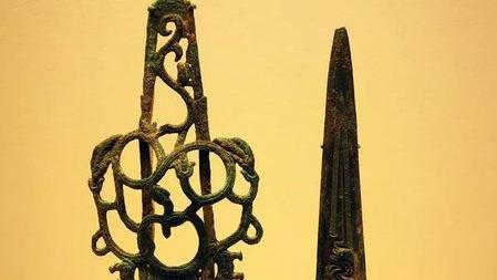 青铜柳叶剑竟是西周鱼国男性贵族的标配武器?