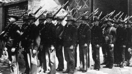 镜头里的美国海军陆战队在北京的100年!