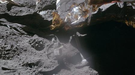 月球上究竟有多少垃圾呢?的头图