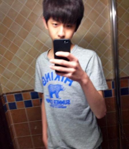 男生自拍照学生真实_求14岁男生的真实照片,最好自拍,要长得挺好的,但一看