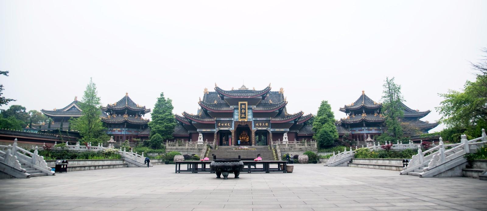 Mount Emeishan tour