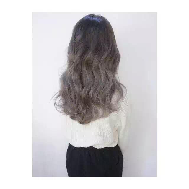 你去色色_这个发色是什么颜色,想去弄一样的头发,这个是渐变的吗