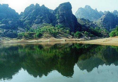 薄山湖風景區有什么好玩的?