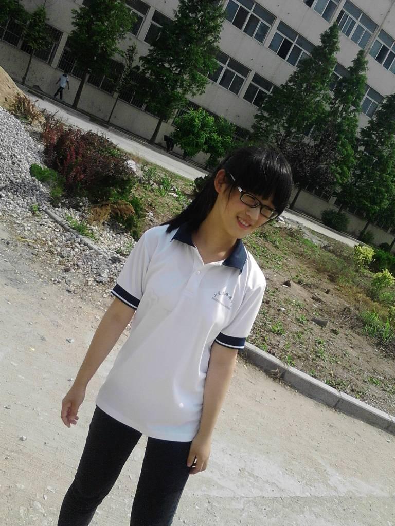 高中漂亮女生照片_求十张高中女生图片_百度知道