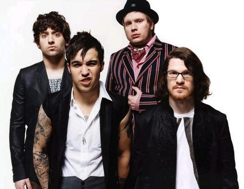 fall out boy热单_求Fall Out Boy的Immortals MP3 320K下载_百度知道