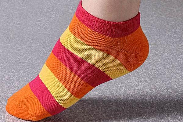 最新十大丝袜品牌_世界十大袜子品牌有哪些?_百度知道