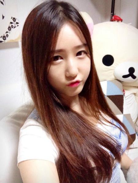朴佳琳qq_yy韩国女主播朴佳琳