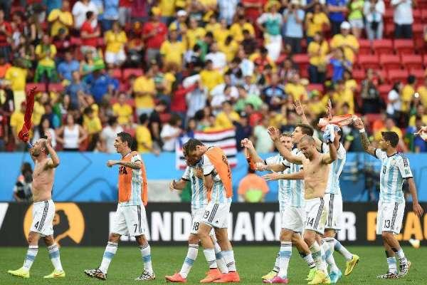 奥运足球冠军_2016足球世界杯冠军是哪个国家_百度知道