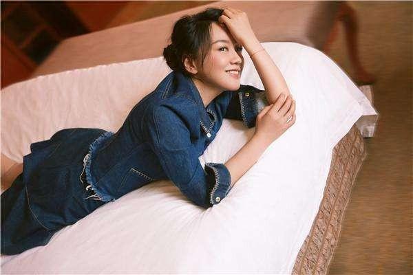 闫妮被曝劈腿小11岁演员张铎,佟大为被甩,是因为张铎比佟大为帅吗?