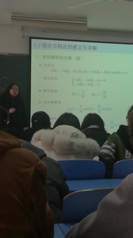 南昌大�W,南昌大�W有哪些教授的�n是必�要去蹭的?