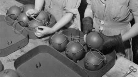 保温杯也能反坦克?二战英国为对付德军到底开了多少脑洞?