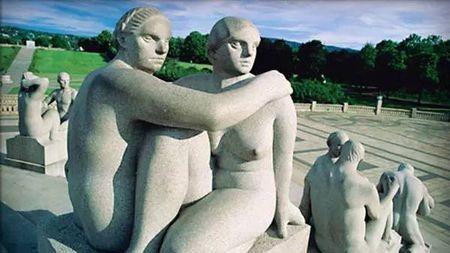 性选择和乳房之谜——议人类乳房的成因