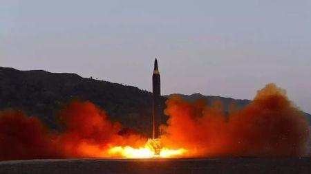 俄最可靠火箭箭毁,为什么两航天员无恙?