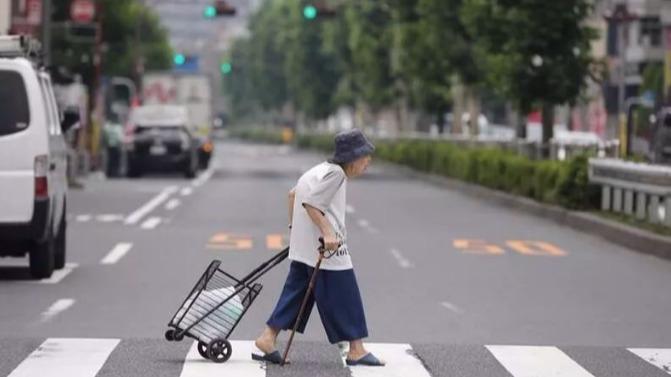 未来十年,九亿中国人等着被养活:我的孩子,你必须比父母更努力