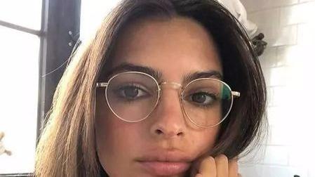 研究发现,戴眼镜的人确实更聪明