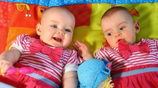 双胞胎可以不在同一天出生?怎么回事?