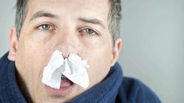 为什么感冒时一边鼻子通一边不通?终于明白了