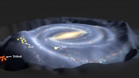 是银河系偷走这些星星?还是把它们踢出了银河系?的头图