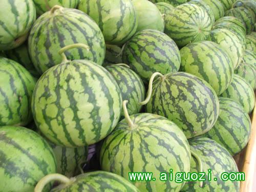 瓜_麒麟瓜是西瓜的一种吗?形状有多大?肉是黄色的吗?最好