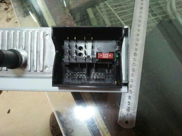 马自达cd机接线图_谁有这个cd机的接线图啊,发我一个,标志车上拆下来的德赛西威 ...