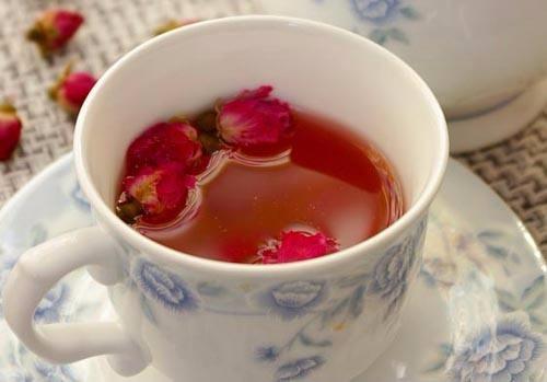 玫瑰花茶加蜂蜜_玫瑰花茶可以加蜂蜜喝吗_百度知道