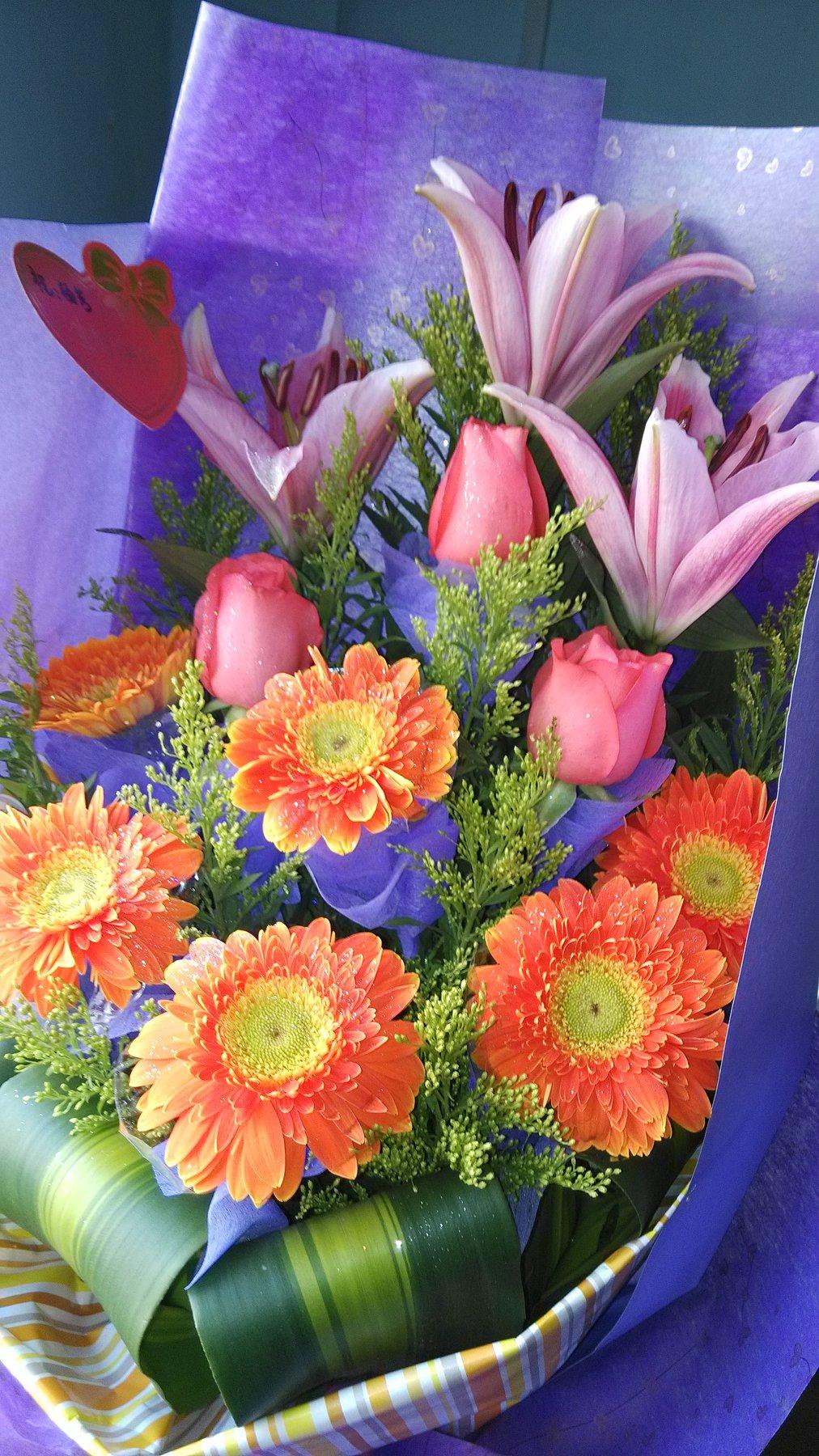 爆菊花是什么意思_有图,这是什么品种的菊花和百合,还有这样送花寓意着什么 ...
