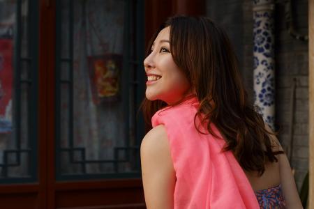 蓝衣美女日本_求 [日本] 蓝衣地铁女,的种子_百度知道