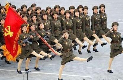 """朝鲜鹅式步伐视频_朝鲜阅兵独创""""鹅式步伐"""",有什么来历?_百度知道"""