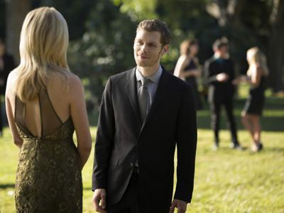 吸血鬼日记第四季07_吸血鬼日记第四季克劳斯和卡罗琳的所有情节在第几集啊_百度知道