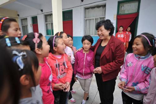 到底深圳公办小学老师工资待遇多少