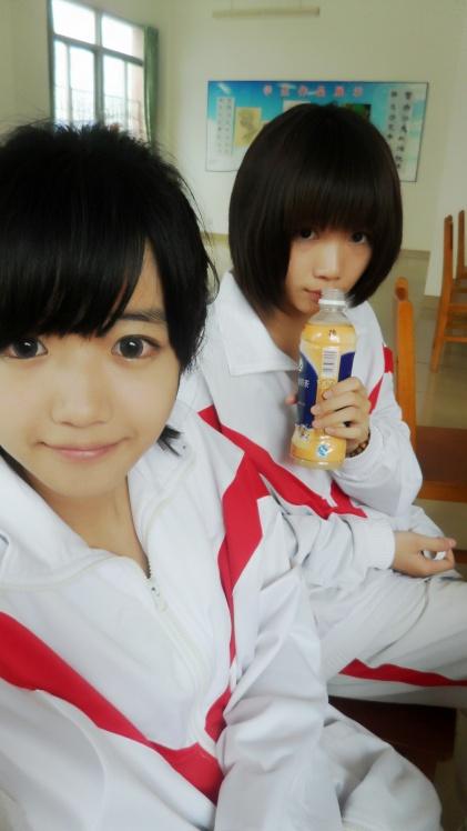 曾由美图片_和曾由美在一起的女孩子是谁???_百度知道
