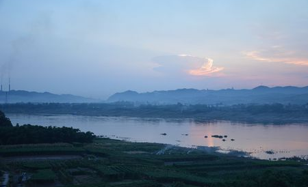 长江开头的诗句有哪些