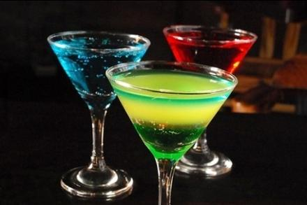 酒吧鸡尾酒多少钱_有谁知道这些鸡尾酒在酒吧多少钱一杯: 求大神赐教_百度知道