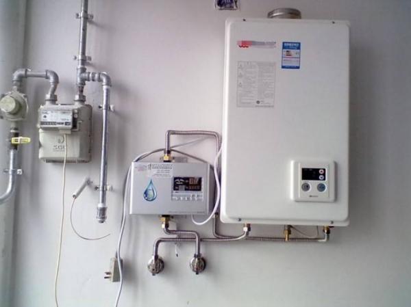 平衡式燃气热水器好_已经装修好的房子,再安装燃气热水器有什么影响吗?_百度知道
