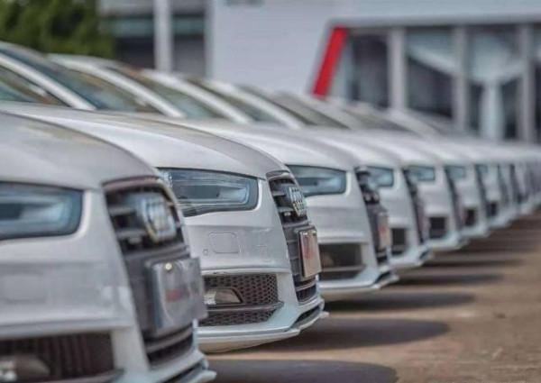 那些二手车市的九成新车都是怎么来的?