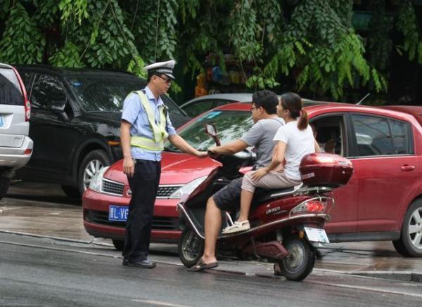 上海电动车假牌照_电动车怎么上牌照_百度知道