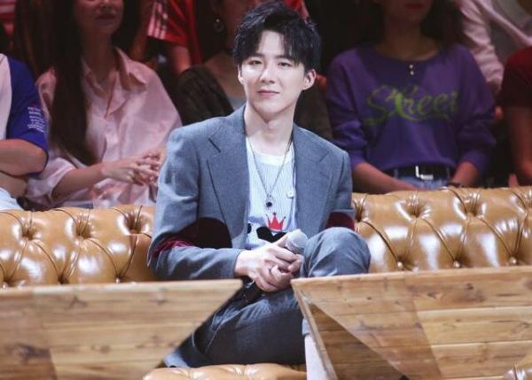 名扬天下娱乐:刘宇宁是抖音出身的可以说是一个很成功的网红他为什么这么红?